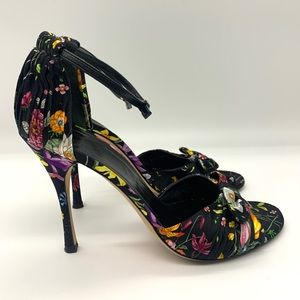 Gucci Rosa Black Satin Flora Print Pumps